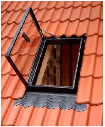 купить окно-люк для выхода на крышу Velux GVT