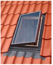 купить окно-люк для выхода на крышу Velux VELTA